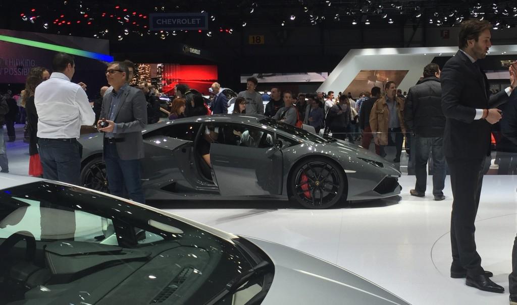 Lamborghini propose l'expérience de la réalité virtuelle au Salon de l'auto de Genève 2015